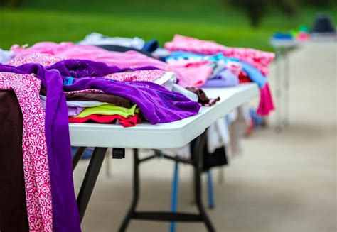 best free sle 9 incredibly smart ways to display clothing at a yard sale
