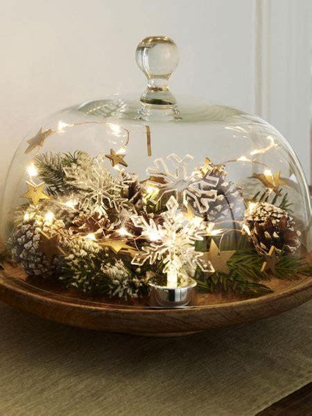 etagere weihnachtlich schm cken leuchtende deko ideen in wei 223 und gold