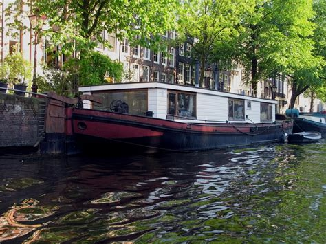 houseboats in amsterdam 25 best ideas about houseboat amsterdam on pinterest
