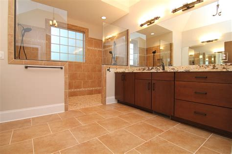 His and hers master bath   Traditional   Bathroom
