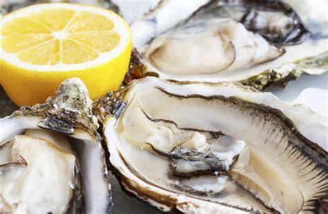 East Coast vs. West Coast Oysters   Mark Addison