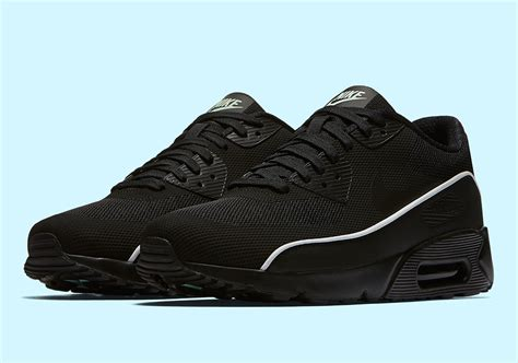 Nike Air Max 90 Ultra 2 0 Essential White Cool Grey Running Shoes nike air max 90 ultra 2 0 essential 875695 009 sneakernews