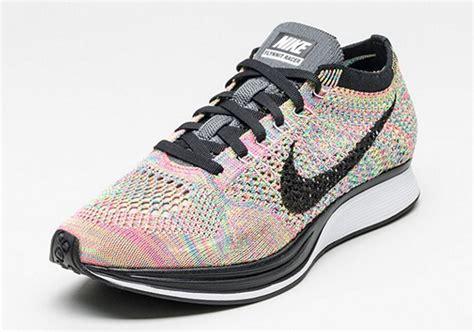 Sepatu Nike Flyknit Racer 05 nike flyknit racer multi color 526628 004 sneakernews
