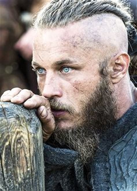 what is going on with travis fimmels hair in vikings travis fimmel vikings and tousled hair on pinterest