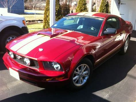 2007 ford mustang scoop find used 2007 ford mustang v6 61 000 gt style