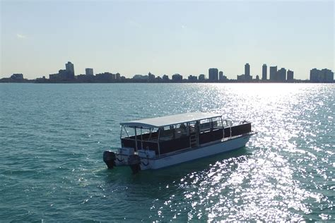 chicago river boat charter the quot big boat quot 36 passengers chicago sailboat