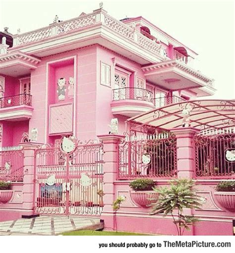 hello kitty mansion hello kitty mansion