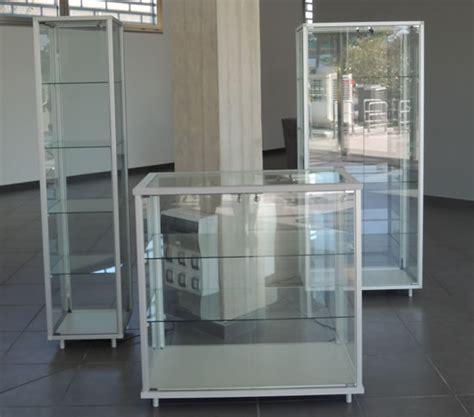 mobili vetrine realizzazione vetrine per negozi arredamenti vetrine