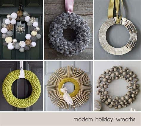 modern holiday wreaths o christmas time pinterest