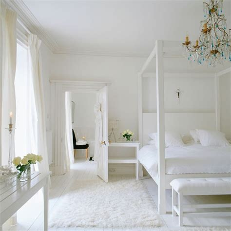 white poster bed chunky white four poster bed celia rufey s bedroom