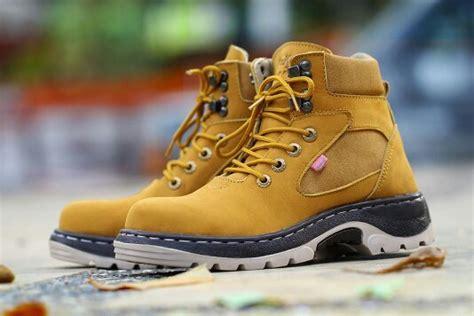 Sepatu Safety Kickers Glove jual beli sepatu kickers glove safety kulit buk baru