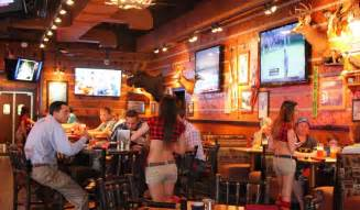 Bars In Waco The Appeal Of The Peaks Breastaurant Site