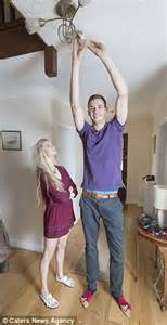 othes for a 5 foot 9inch 62 year old women 7ft 1in high wycombe student towers over his 5ft 9in
