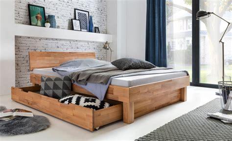 schlafzimmer mit bett 200x200 doppelbett 200x200 mit bettschublade kernbuche
