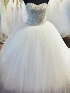 robe de mariã e strass et paillette robe de mari 233 e princesse orn 233 e de perle blanche et de strass diamant boutique prova