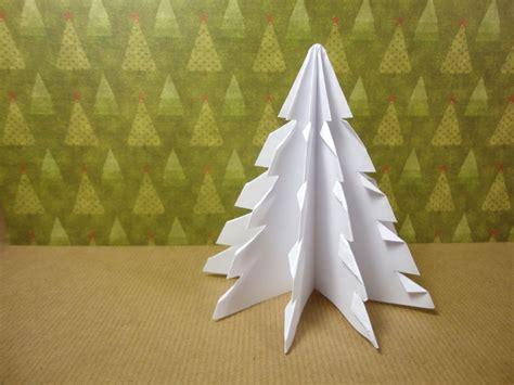 193 rbol de navidad 3d hecho con un cuadrado de papel