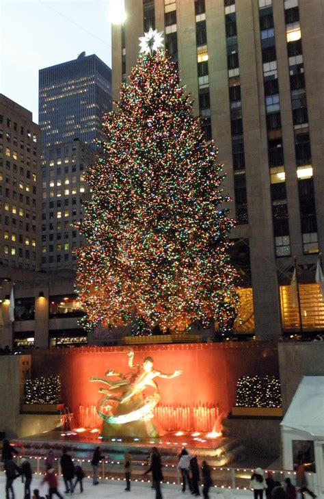 new york city christmas tree by moeoeop on deviantart