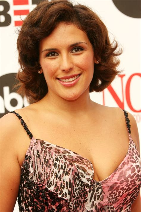Mexican actress Angelica Vale named co host of Fiesta de