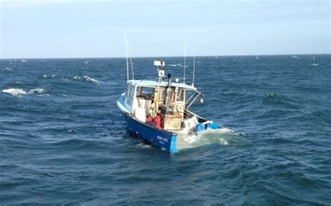 boat sinking long island sound three fishermen rescued from sinking 41 foot commercial f
