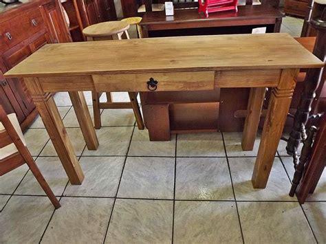 aparador uma gaveta aparador r 250 stico de madeira maci 231 a uma gaveta