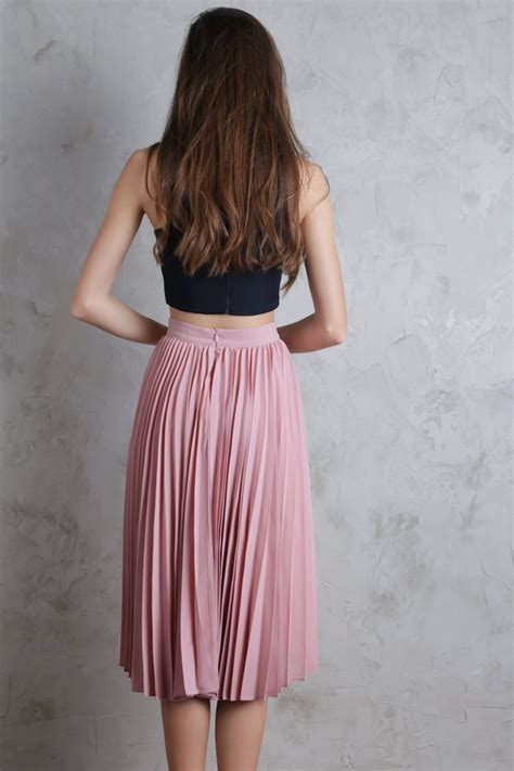 pleated midi skirt blush pink the tinsel rack