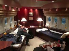 Air Force One Interior by 10 Facts About Us President Car And Plane Beast Amp Af One