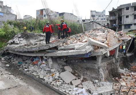imagenes sorprendentes del terremoto en ecuador dos terremotos de magnitud 6 8 sacuden ecuador y dejan un