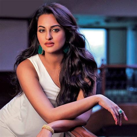 themes sonakshi hot sonakshi sinha hot sexy scans from stardust september