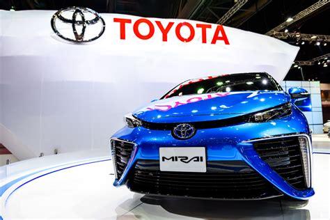 at last toyota wakes up to zero emission vehicle growth