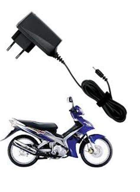 Charger Hp Disepeda Motor cara membuat charger cas hp di sepeda motor lewat listrik dc dari aki izzan qolbi s