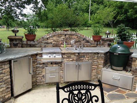 Ideas For Outdoor Kitchens by 17 Functional And Practical Outdoor Kitchen Design Ideas