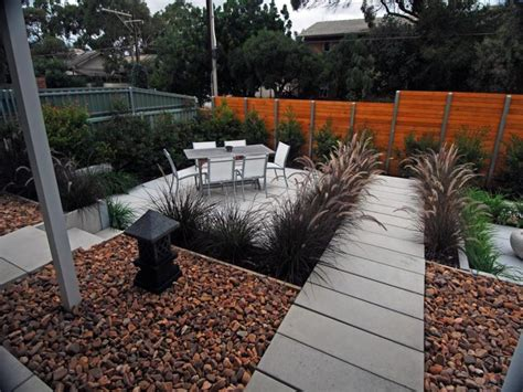 Easy Maintenance Garden Ideas Easy Low Maintenance Modern Backyard Low Maintenance Garden Design Using Pavers With Outdoor