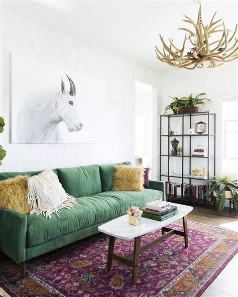 green sofa living room decor 30 lush green velvet sofas in cozy living rooms