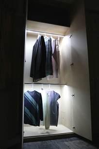 kleiderschrank beleuchtung led schrankleuchten 30 ideen wie sie mehr licht in den