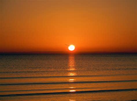 imagenes gratis en pixabay foto gratis amanecer en el mar rom 225 ntico imagen gratis