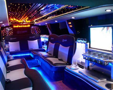 SUV Limousine in Las Vegas   Las Vegas SUV Limousi