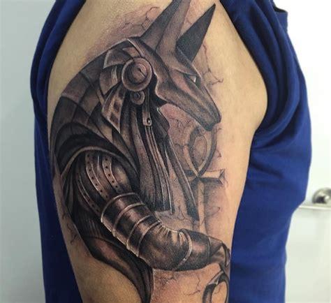 anubis dios egipcio y sus grandes significados en los tatuajes