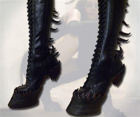 hooves heel less boots dudeiwantthat