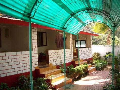 cottages in goa near baga sunset cottage goa rooms rates photos reviews deals