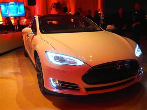 Tesla Model D Tesla Model S D All Wheel Drive 0 60 In 3 2 Seconds