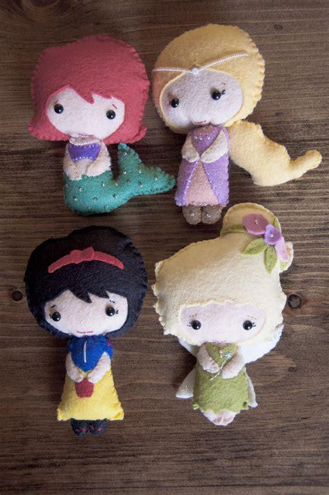 Handmade Felt Dolls - 301 moved permanently