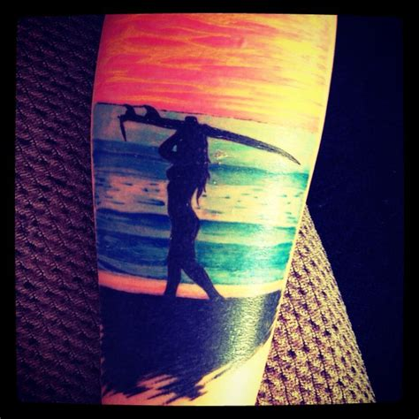 surfer tattoos best 25 surf ideas on surf drawing