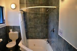 Corner Bath Shower Combo Shower Tub Corner Combo Bathroom Decor Pinterest