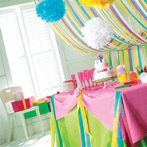 how to decorate with crepe fluffy decorations