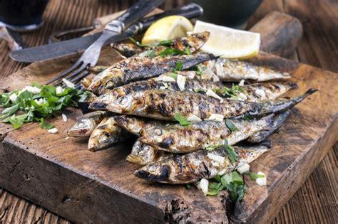 la perfetta ricetta di stagione pesce di stagione agosto carni per una grigliata perfetta