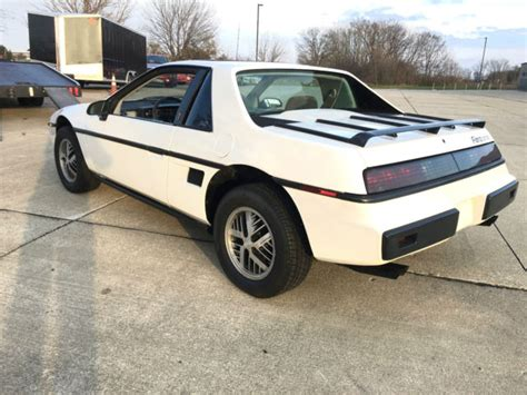 old car owners manuals 1985 pontiac fiero transmission control service manual 1985 pontiac fiero transmission technical manual download pontiac fiero coupe