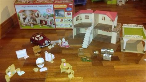 Sylvanian Family Maple Manor With Carport by Sylvanian Families Maple Manor With Carport Gift Set For