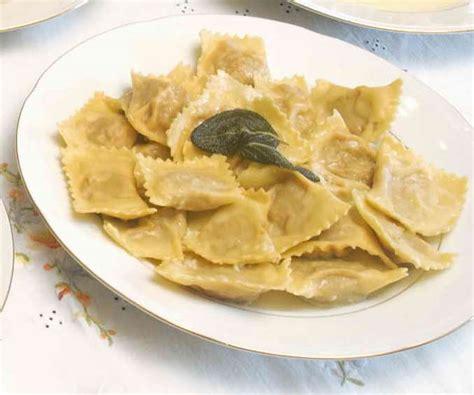 cappellacci di zucca mantovani gt tortelli di zucca italian food