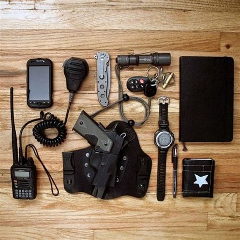 every day carry kit 17 best images about everyday carry edc on