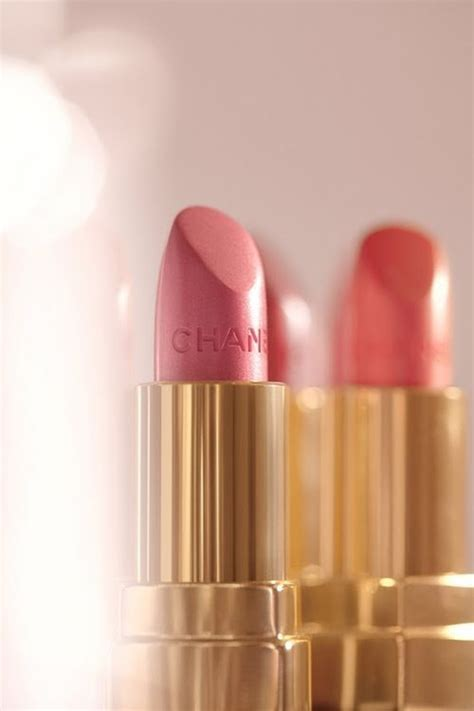 Lipstick Chanel Replika put on your lipstick and the day with a beautiful smile saturday morning welcome